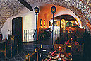 Vinárna U Klíčů & Restaurace U Zlatého jablka